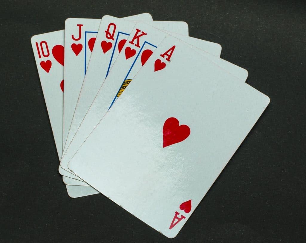 3 raisons pour lesquelles le blackjack est le seul jeu sur lequel vous devriez parier
